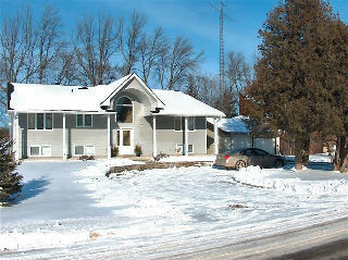 1285 emerald isle rd, Ennismore Ontario, Canada Located on Buckhorn Lake